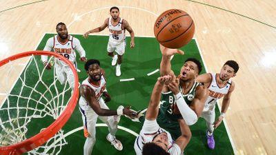 Яннис Адетокумбо финал плей-офф НБА 2021