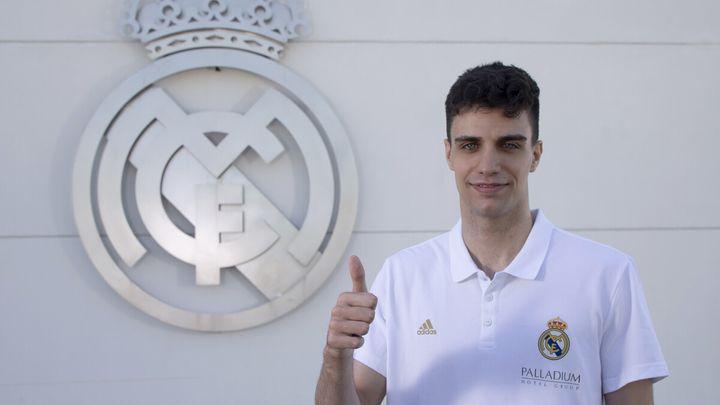 Защитник Реала Алосен